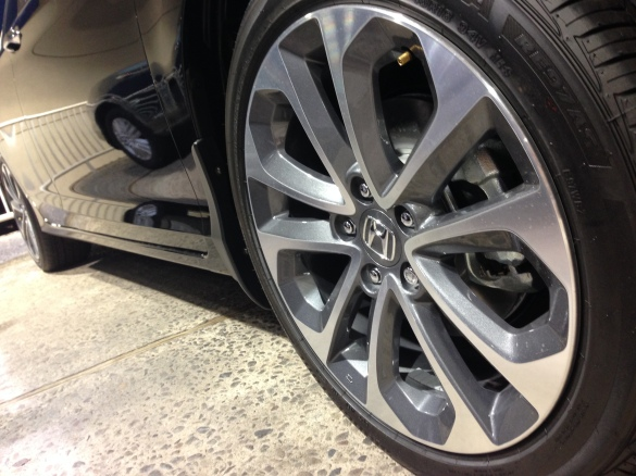The 18-inch wheels are easily the best looking footwear Accords, and many other cars in this segment, can come with.